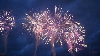 芸術は一瞬を永遠に~諏訪湖の花火~
